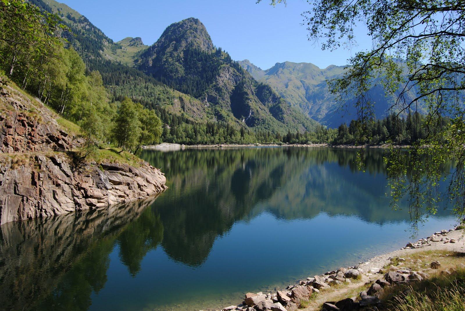 Risultati immagini per lago di antrona