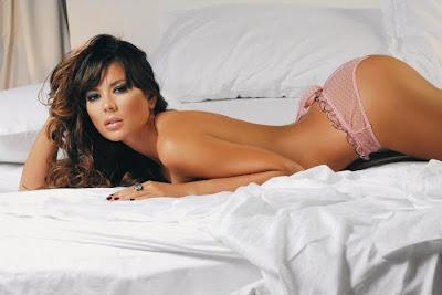 Fotos de Karina Jelinek desnuda muy hot, y una cola hermosa - 2010