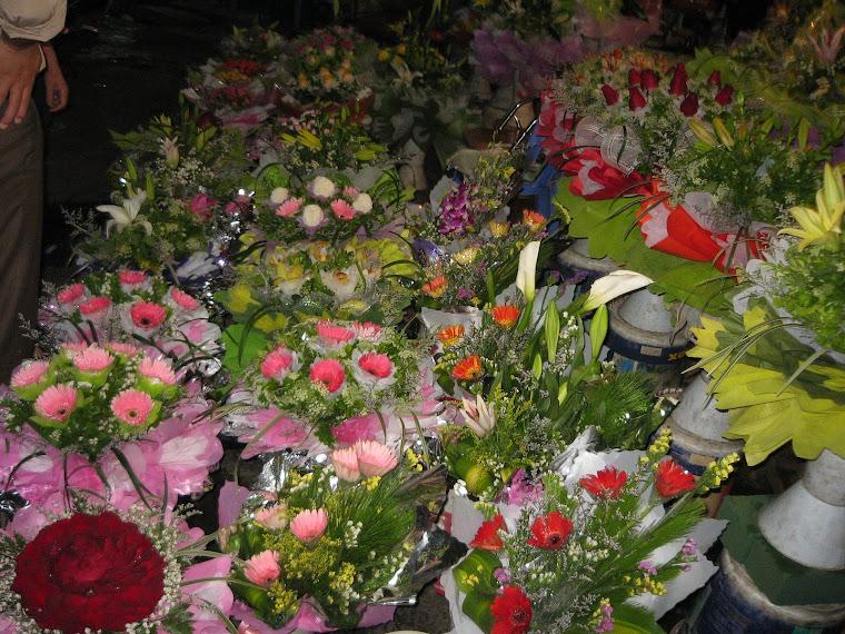 flower bouquet in hanoi