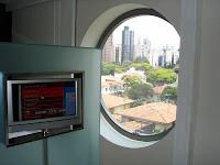 Se o atendimento fosse bom, eu até aceitava o quarto feio do Hotel Unique, de São Paulo.