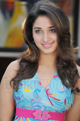 Actress Tamanna hot stills/photos