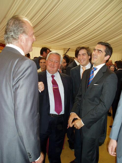 Carlos Javier saluda a S.M. el Rey