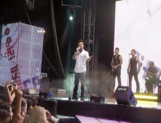 Tarkan on stage