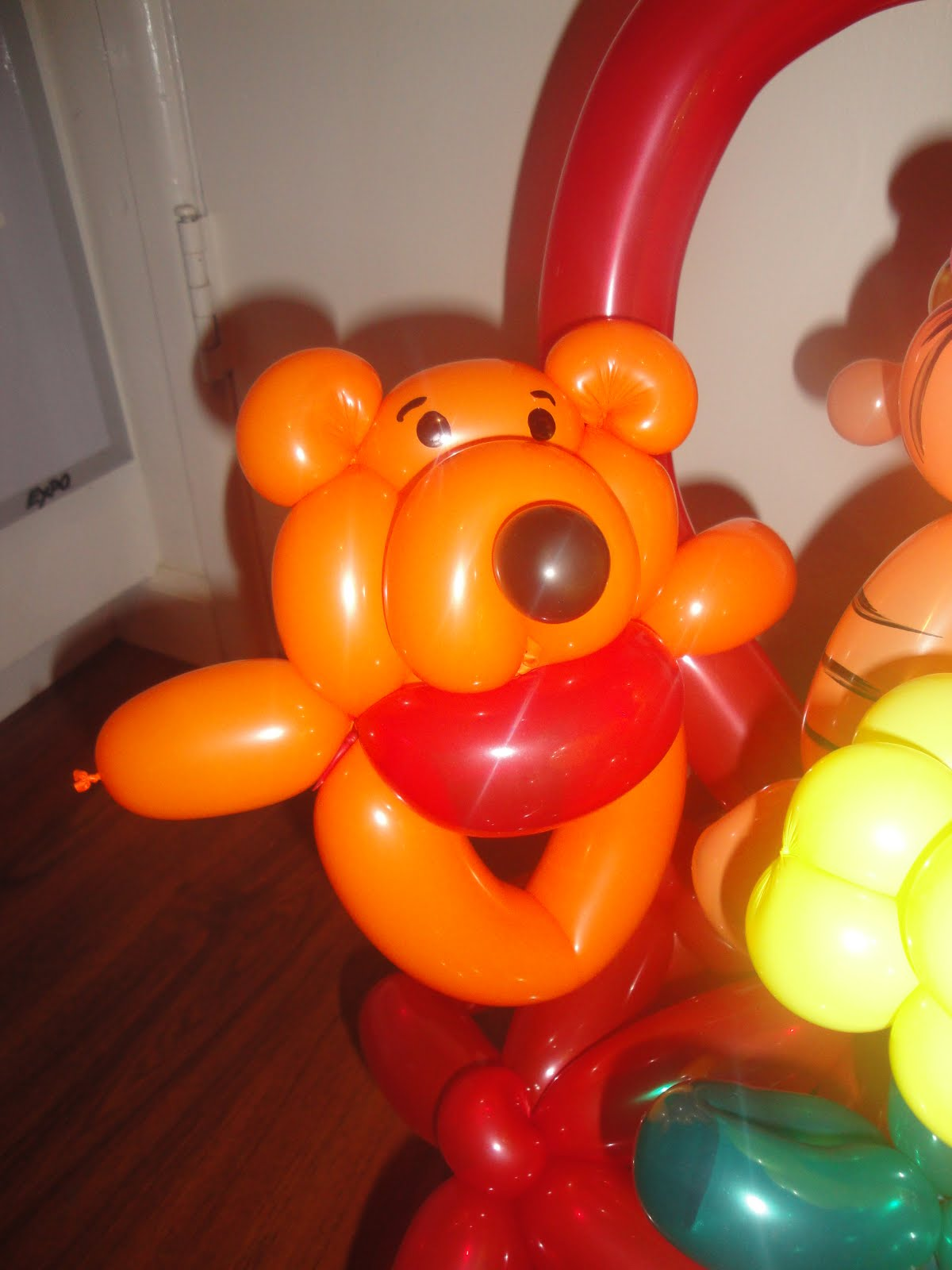 Balloon Twisting With Lien Pooh Bear Tigger And Piglet Gang