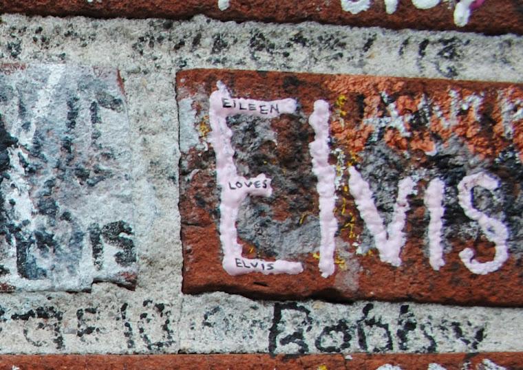 EILEEN LOVES ELVIS
