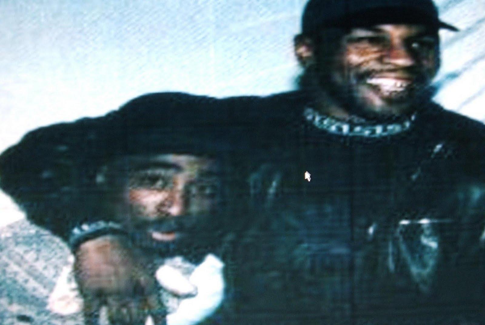 http://4.bp.blogspot.com/_KDxbyvAi_QY/TIf2ISe9lKI/AAAAAAAAACU/-ggovgUlApI/s1600/Mike-Tyson-Pac.jpg