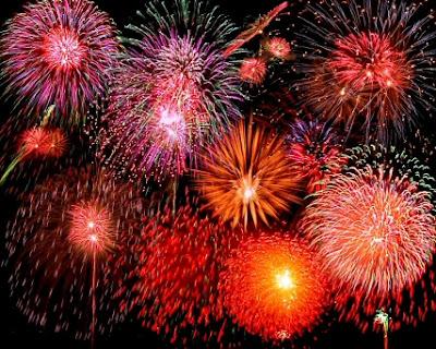 http://4.bp.blogspot.com/_KF1rJeY6uX4/RvuB83cvP1I/AAAAAAAAADg/Fw_6jF4Vfno/s400/fireworks2.jpg