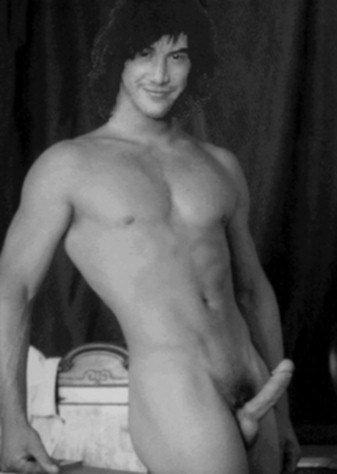 фото голый киану ривз