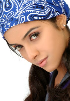indian-desi-bollywood-actress-tamil-telugu-mallu-hindi-heroine-asin-celebrity-hot-sexy-glamour-aasin-loves-bungee-jump
