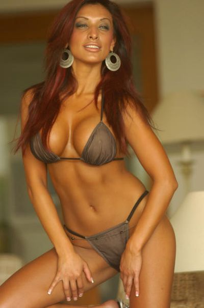 hot and sexy naina dhaliwal, hot naina dhaliwal in bikini, hot naina dhaliwal wallpapers and photos, hot naina dhaliwal boobs/breasts