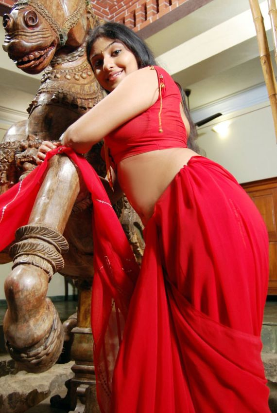Palluless Monica Stills, Monica Red Hot Chilli Pics in Blouse