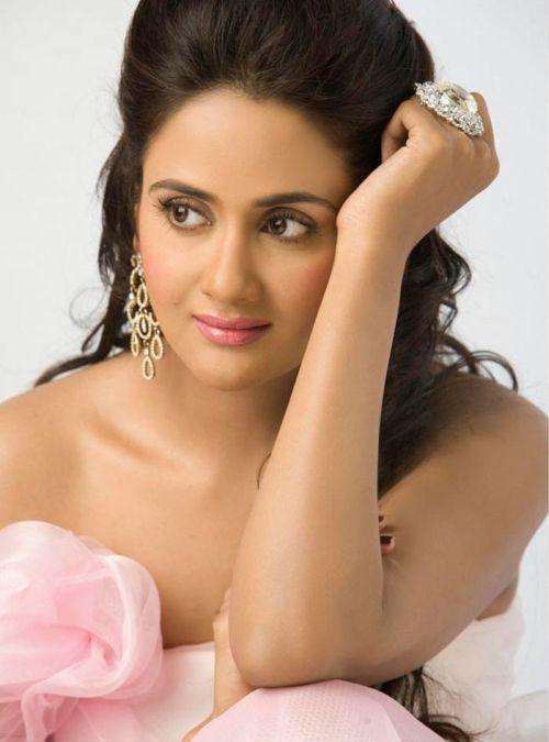 http://4.bp.blogspot.com/_KFpt7pcZGQY/SvO6kPJePrI/AAAAAAAALbU/jXBbmg-WNxU/s1600/mallu_actress_pavithra2.jpg