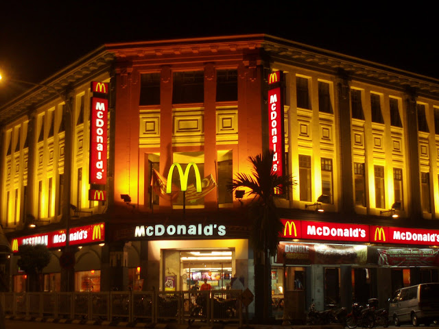 Mcdonalds Building At Night