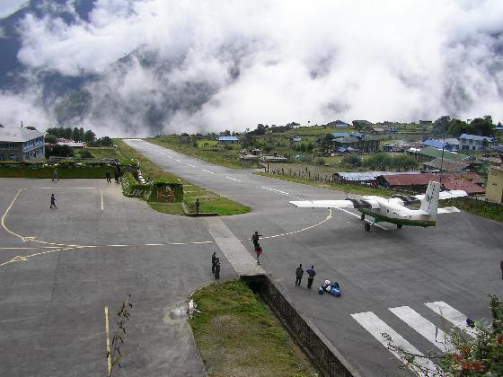 most-dangerous-airports-lukla-nepal.jpg