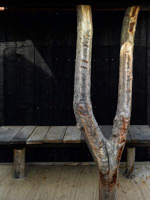 http://4.bp.blogspot.com/_KHkh_jDBxb0/SdiPynPbIDI/AAAAAAAAB9w/nxFrz9WvOA8/s400/fujimori-yakisugi-house-charcoal-house-13.jpg