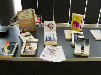 Exposición bibliográfica sobre José Saramago