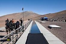 Filmando en el techo de Paranal...Shooting in Paranal roof