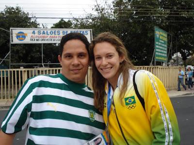 Eu e Fabiana Murer, atleta de salto com vara