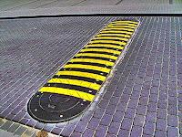 Одними «лежачими полицейскими» в вопросе безопасности дорог около школ не обойтись