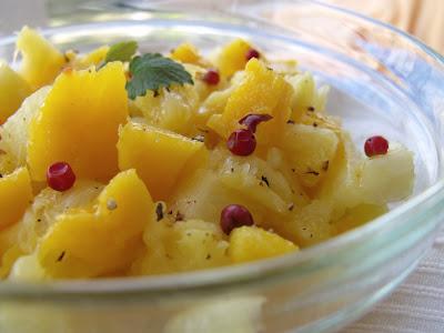 Articole culinare : SALATA DE MANGO SI ANANAS(MANGO &PINEAPPLE SALAD)
