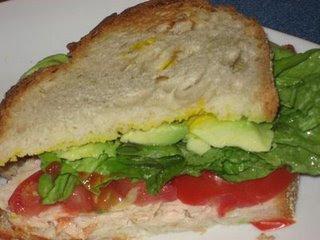 Sandwich De Pollo Y Palta Asuncion Gourmet