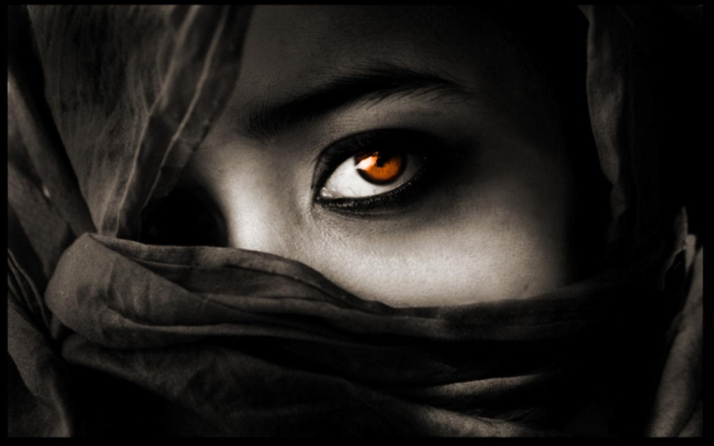 http://4.bp.blogspot.com/_KLJU3hHDGVM/TCA-oESRLNI/AAAAAAAACXQ/pzs0u7bN6kI/s1600/Beautiful_Eyes_1440x900.jpg