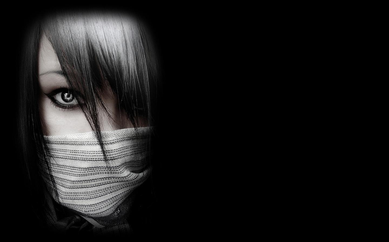 http://4.bp.blogspot.com/_KLJU3hHDGVM/TCA_OlQDUWI/AAAAAAAACYo/_dyjYWxmlis/s1600/Women-Creepy_1440x900.jpg
