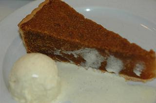 I couldn't resist the treacle tart and vanilla ice cream
