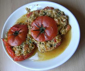 Bull-tomatoes stuffed with crab, chilli cheese, mustard, breadcrumbs and chives
