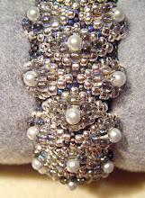 Dramatic Bump Bracelet