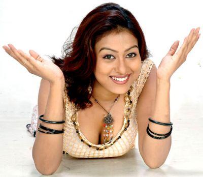 http://4.bp.blogspot.com/_KPlnfWy-GbI/SBNIHSGd7qI/AAAAAAAAAE4/McK-M3IBxs8/S660/normal_rimpi-tamil-actress-photos.jpg