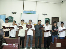 AICP STUDENTS SINGING