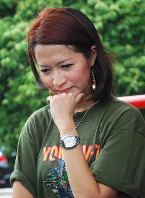 Okie Agustina mantan istri Pasha Ungu cantik feminin