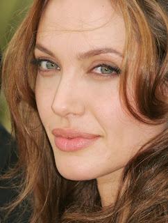 Foto gambar seksi Angelina Jolie