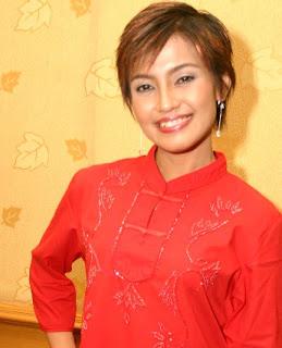 Vokalis penyanyi lagu mandarin Rani meliana pancarani