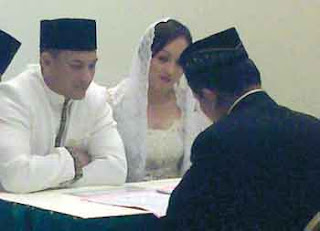 foto pernikahan Adji Masaid dan Angelina Sondakh, Insurance &amp; Loans are brought to you by approved affiliates of the AA. ... currently an increase in claims from middle-aged men on their bike insurance. ... Purchase your car insurance from Swinton and get &#163;40 cash back when you use
