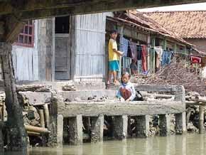 Banjir rob di Demak kota belimbing Bintoro Wali songo sultan fatah setinggil pecinan ziarah kadilangu wedung mijen dempet gajah guntur karang tengah bonang
