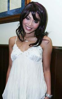 Lusy Rahmawati Ab Three seksi di seputar artis Indonesia