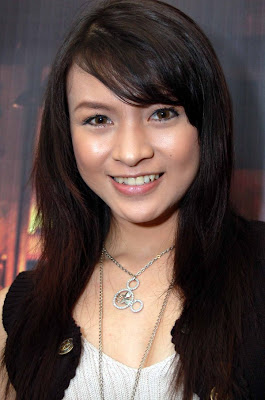 Foto Donita artis sinetron dan foto model