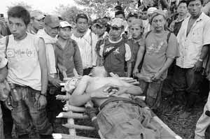 Abusos Contra  los  Indigenas