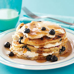 Heidi's Test Kitchen: Blueberry Cheesecake Pancakes