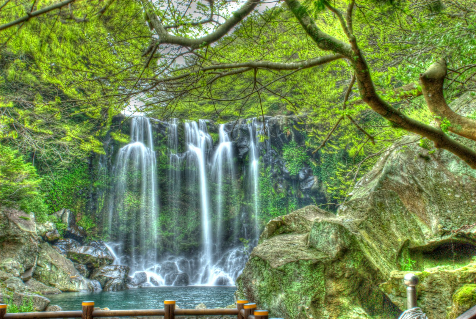 JacJam39;s Blog: Waterfall on Jeju Do Largest Korean Island