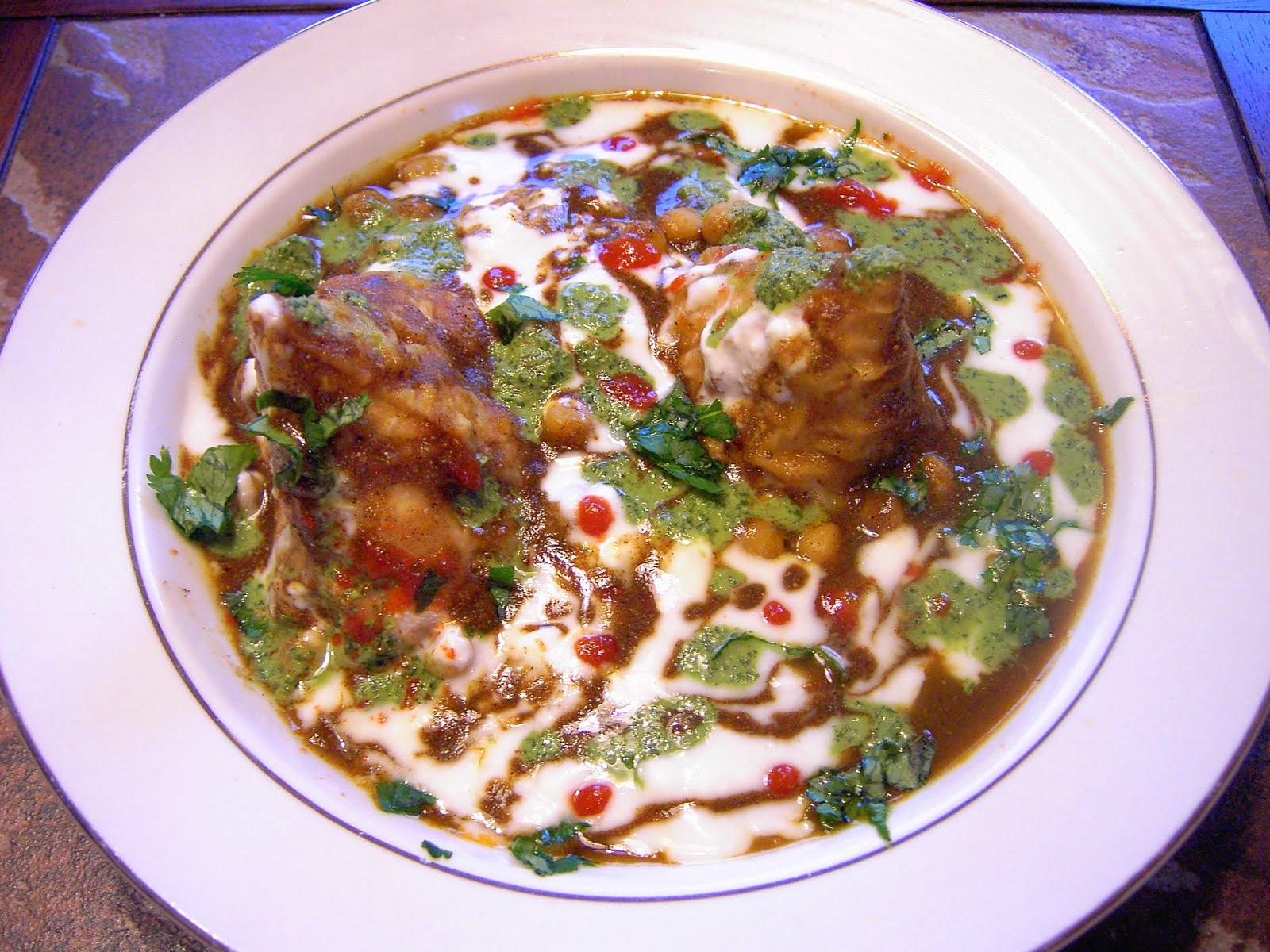 Enjoy Indian Food: Samosa Chaat