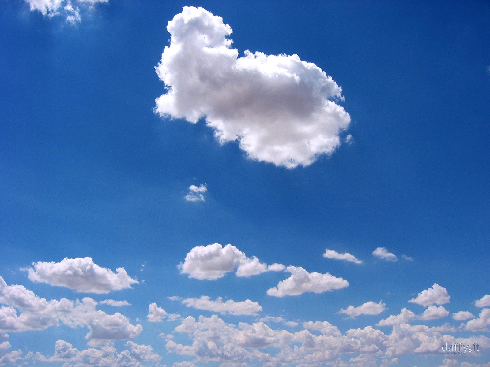 http://4.bp.blogspot.com/_KX1DEGPJiF8/TQUbevH8quI/AAAAAAAAAwk/5e4Wlt_zNxE/s1600/nuvole.jpg