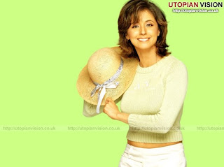 urmila matondkar with her hat - indian celebrity in actions