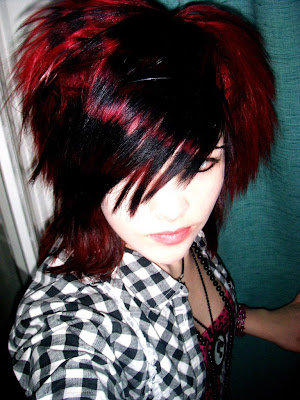 Scene Girls Hairstyles with Side Bangs for 2010