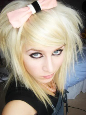 scene+hairstyles+peroxide+blonde+2 Emo Scene Girls Hairstyles for Medium Short Hair