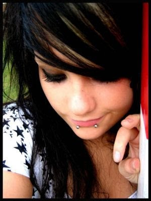 Modern Medium Emo Hairstyles for Girls 2010. Emo hairstyle ideas