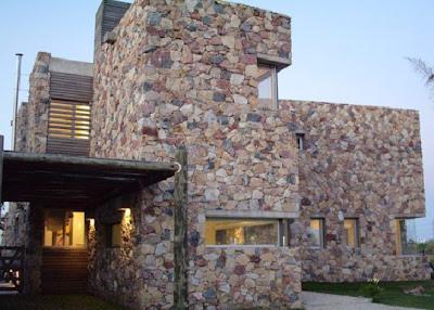 Fachada de piedras y madera fachadas de casas y casas - Casas madera y piedra ...