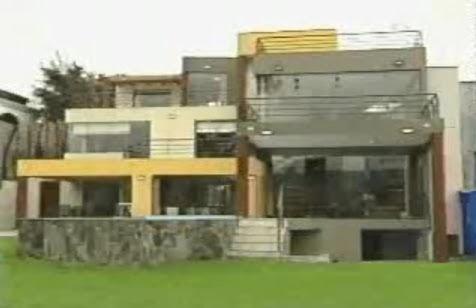 Fachadas de casas con desniveles video mostrando los for Fachadas de casas interiores